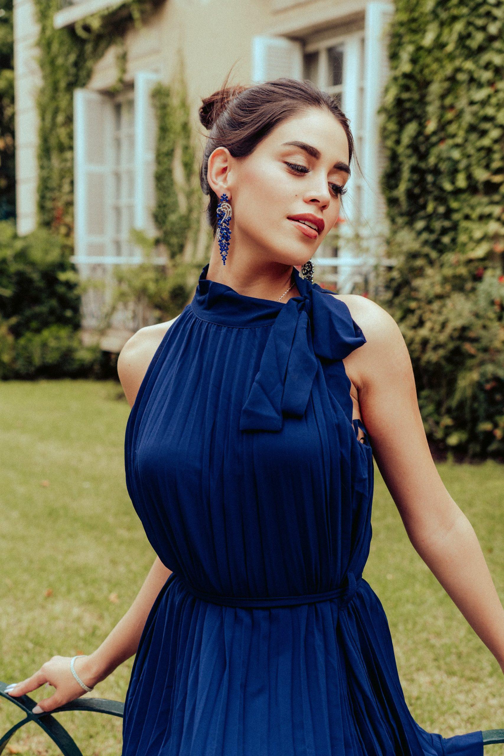 woman-blue-dress