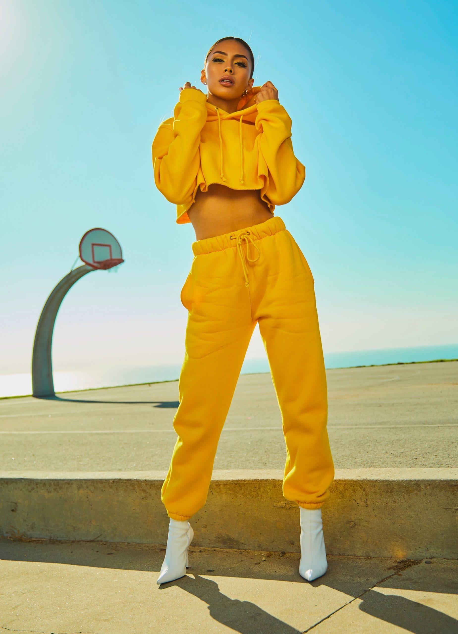 woman-yellow